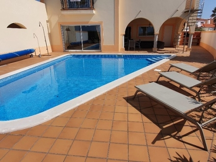 Stunning town house in Vila do Golfe at Praia d'el Rey Golf & Beach Resort